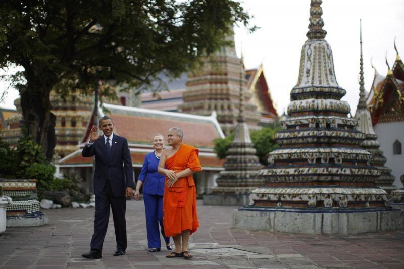 JAV prezidentas B. Obama pradeda kelionę po Azijos šalis (foto)