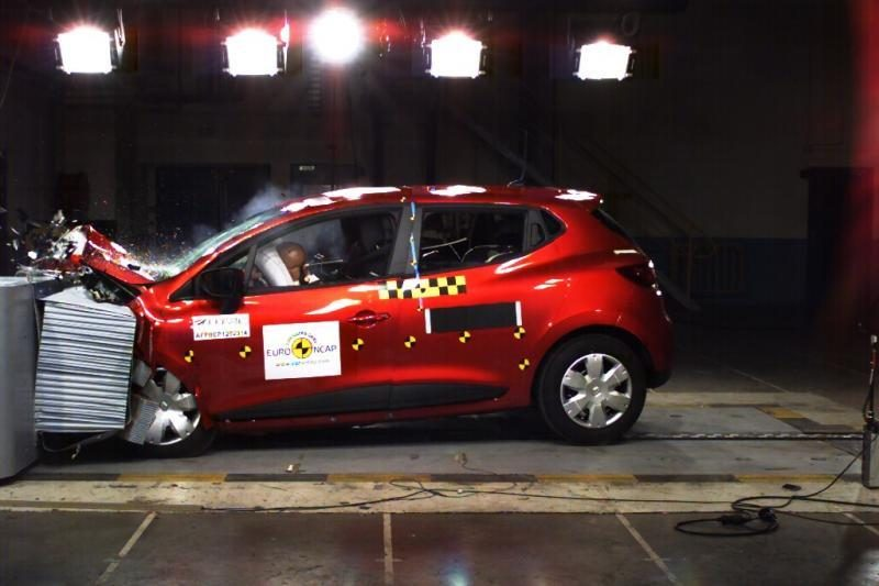 """Naujasis """"Clio"""" įvertintas penkiomis žvaigždutėmis"""