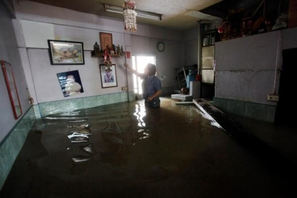 Venesueloje nuo potvynių nukentėjusieji kraustosi į kurortų viešbučius