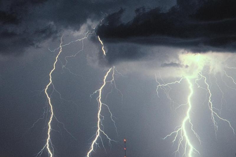 Dėl žaibo klaipėdiečiai liko be elektros