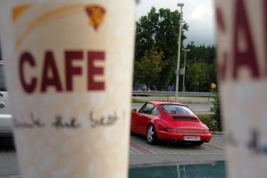 Vairuotojai dažniausiai renkasi juodą kavą