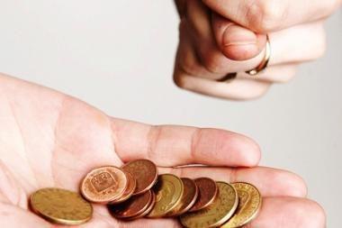Pensijų fondai daugiau sužeria valdytojams nei būsimiems pensininkams