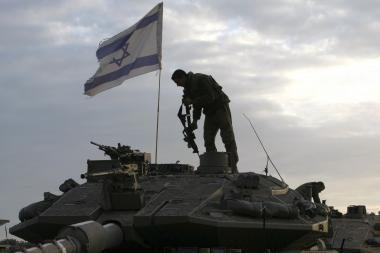 Izraelis nubaudė karininkus už baltojo fosforo naudojimą