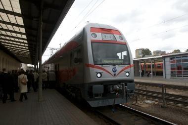 Elektroninio bilieto sistemą diegs ir traukiniuose