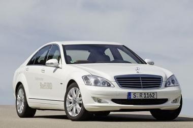 "Prabangus ir ekonomiškas ""Mercedes"