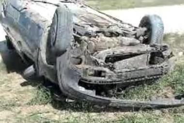 Raseinių rajone apvirto automobilis, sužaloti žmonės