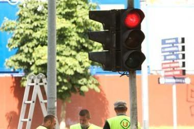 """""""Žaliasis šviesoforų koridorius"""" kol kas raudonas"""