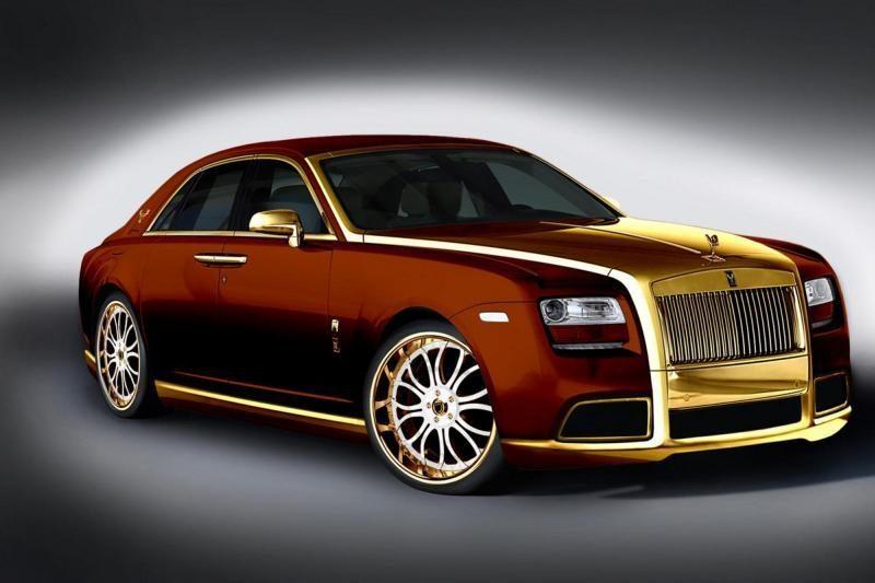 """""""Rolls-Royce"""" paskelbė pakeitusi pagrindinį dizainerį"""