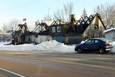 Po gaisro be pastogės liko kelios šeimos