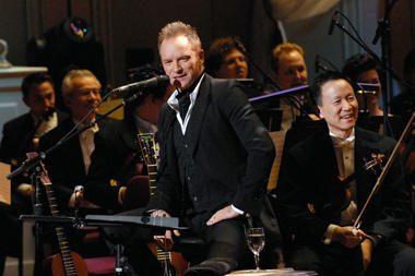 Stingo ir Karališkojo simfoninio orkestro koncerto bilietai sparčiai tirpsta