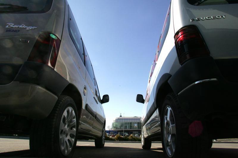 Akcizas dyzelinui verčia vairuotojus rinktis benzininius automobilius