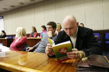 Konstitucijos egzamine žinias pasitikrino pusšimtis klaipėdiečių