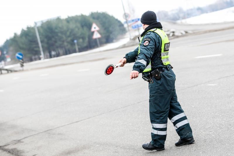 Prie vairo sulaikytas neblaivus Pravieniškių ligoninės prižiūrėtojas