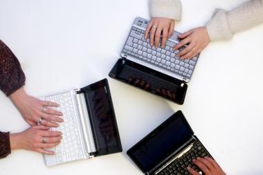 Smulkiosios IT įmonės vienijasi socialinėms iniciatyvoms ir konkurencingumui didinti
