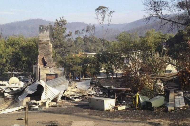 Australijoje gyventojai evakavosi iš miško gaisrų niokojamų teritorijų