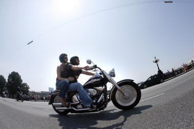 Policija kontroliuos mopedų ir motociklų vairuotojus