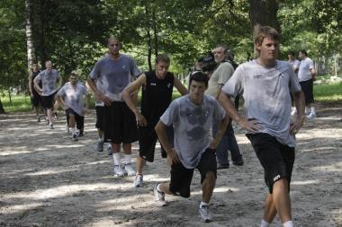 """""""Žalgirio"""" krepšininkai į darbą kibo Ąžuolyne"""