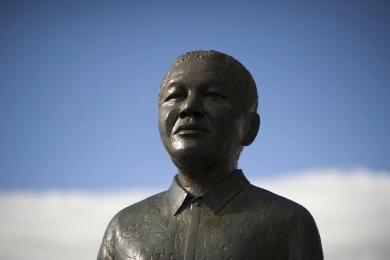 N. Mandela: po beveik metų pertraukos – prieš televizijos kameras