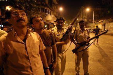 Indijos mieste - kruvinų išpuolių serija