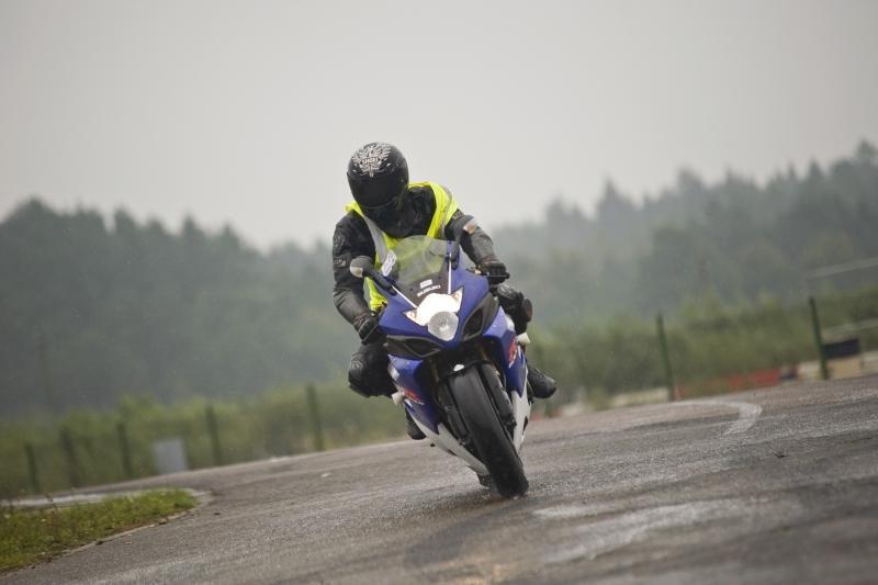 Numatomi pasikeitimai suteikiant teisę vairuoti motociklus