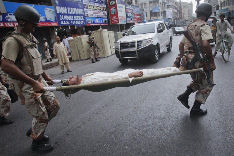 Pakistane lavina palaidojo daugiau kaip 100 karių (dar papildytas)