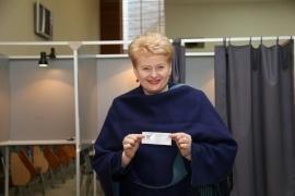Ekspertai: rinkėjai gali balsuoti už jautresnę kandidatę į Prezidentus