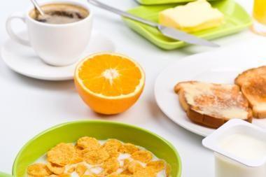 Sulieknėti padeda sotūs pusryčiai