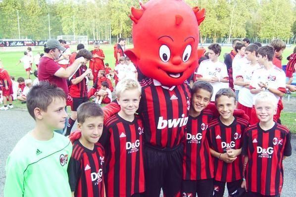 """""""Milan"""" klubas žada Trakuose kurti futbolo akademiją"""