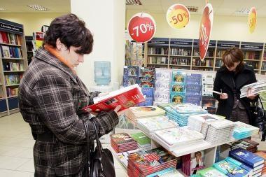 Skaitytojai graibsto pigias knygas
