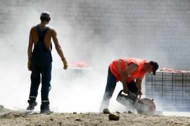 Darbo rinka: laisvų darbo vietų daugėja, kai kurie pradeda savo verslą
