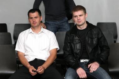 Nuteisti iš besimylinčių porelių kyšius ėmę Kauno policininkai