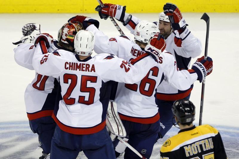 """""""Capitals"""" eliminavo """"Bruins"""" komandą iš kovos dėl Stenlio taurės"""