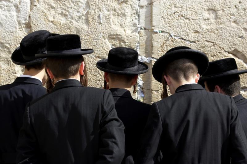 Žydų ortodoksų rabinai Berlyne protestuoja prieš apipjaustymo draudimą