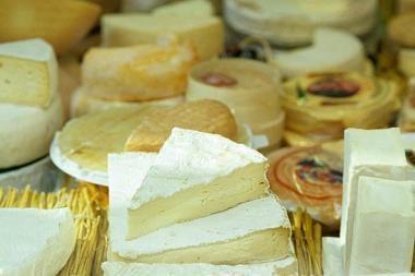 Vagis atbaidė dvokiančiu sūriu
