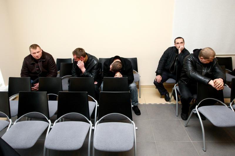 Už kyšininkavimą teisiamų policininkų byla pajudėjo iš mirties taško