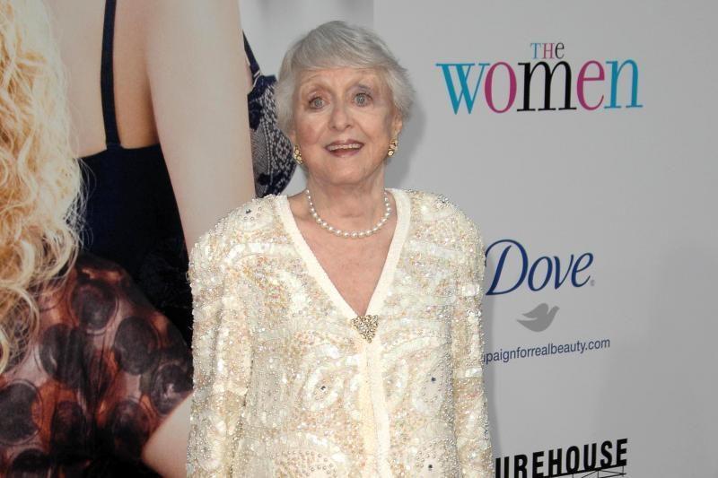 """Mirė 95 metų aktorė, """"Oskaro"""" laureatė Celeste Holm"""