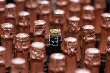 Baltijos jūros dugne rastas 200 metų šampanas - geras