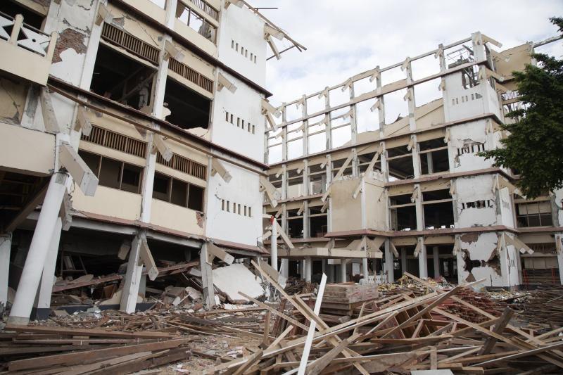 Indoneziją sukrėtė 7,1 balo žemės drebėjimas