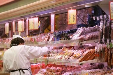 Bendrovės įspėtos dėl neleistinos mėsos reklamos