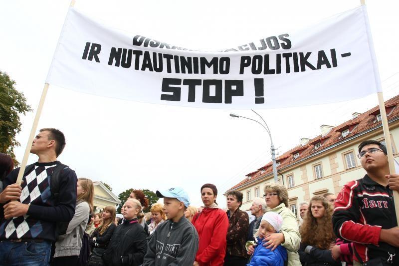 D.Grybauskaitė: tautinės mažumos turi būti lojalios valstybei