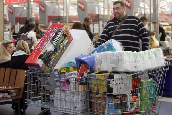 Mažmeninės prekybos apimtys Didžiojoje Britanijoje auga