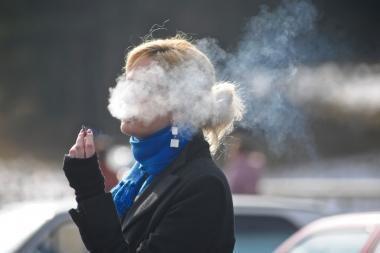 Lenkijoje nuo kitos savaitės įsigalios draudimas rūkyti viešose vietose