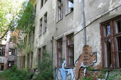 Namas-vaiduoklis tebegąsdina kauniečius