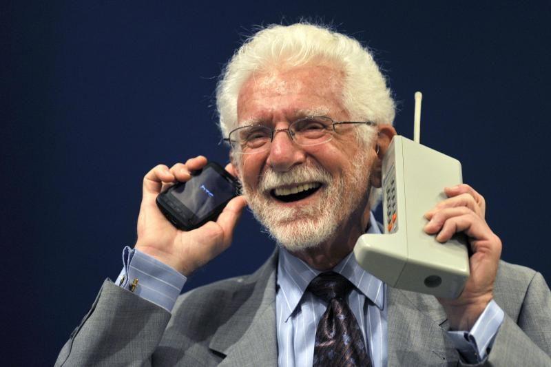 Pirmajam mobiliojo ryšio skambučiui – 40 metų
