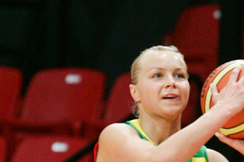 A. Bimbaitė ir vėl nugalėjo Rusijos moterų krepšinio pirmenybių starte