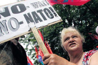 Užsienio reikalų ir krašto apsaugos ministrai vyksta į Briuselį tartis dėl NATO ateities