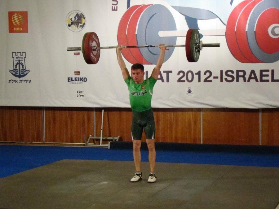 Europos jaunimo sunkiosios atletikos čempionate - pirmieji medaliai
