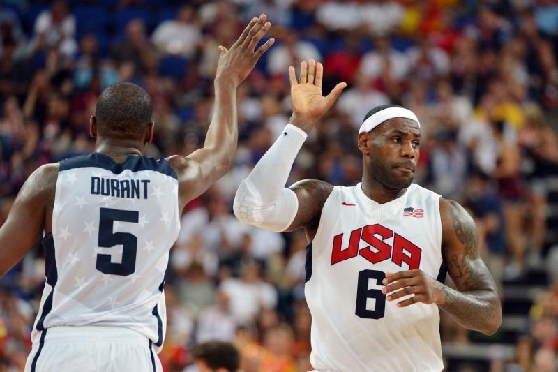 Olimpinis auksas atiteko JAV krepšinio rinktinei
