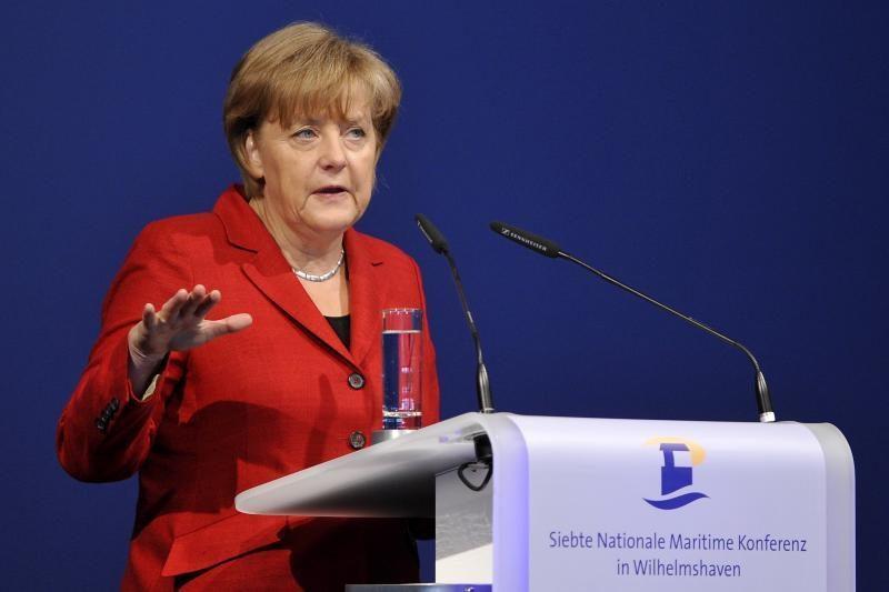 Raginimai patvirtinti ES fiskalinės drausmės sutartį tą pačią dieną