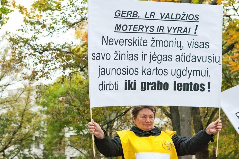 Mokytojai pradeda rinkti parašus dėl įspėjamojo streiko